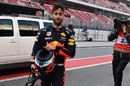 Daniel Ricciardo returns to the pits after stopping on track