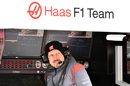 Guenther Steiner watches the test session