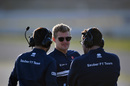 Marcus Ericsson talks with Sauber members