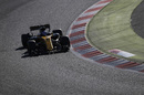 Jolyon Palmer guides the Renault through a corner