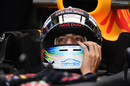 Daniel Ricciardo prepares for his run