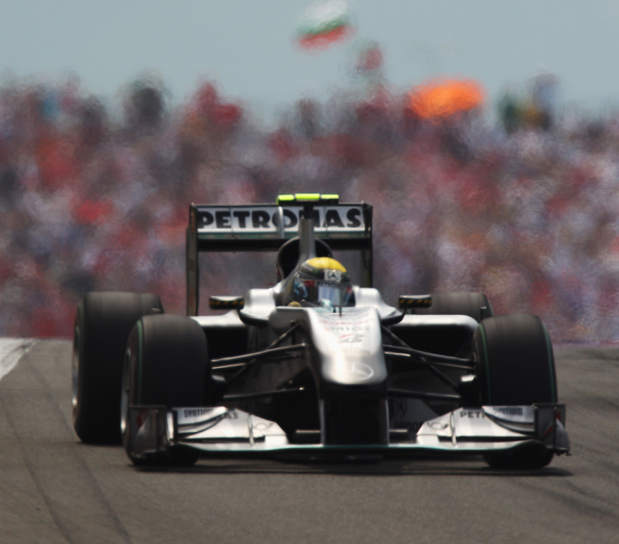 Nico Rosberg on his way to fifth