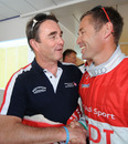 Nigel Mansell shakes hands with eight-time Le Mans winner Tom Kristensen