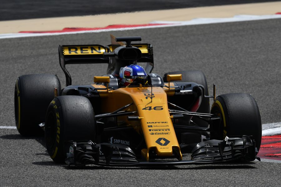 Sergey Sirotkin on track in the Renault