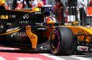Nico Hulkenberg leaves the garage