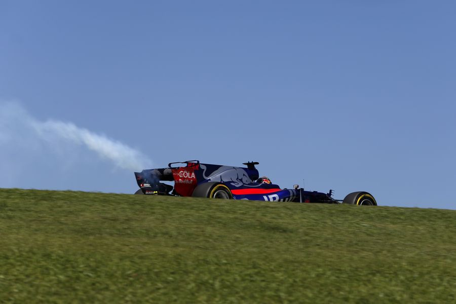 Brendon Hartley with engine failure