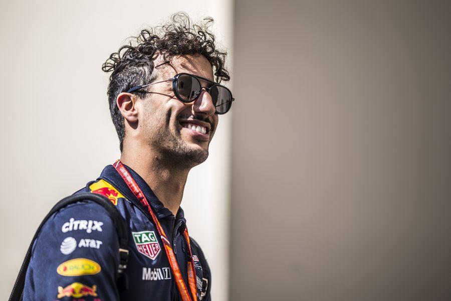 Daniel Ricciardo looks relaxed in the paddock