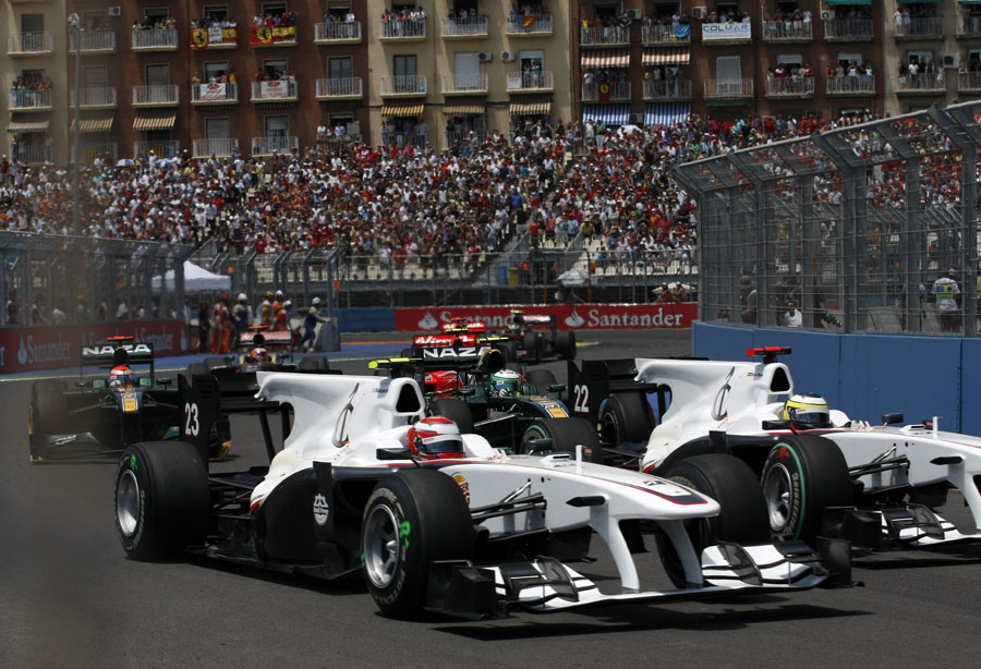 Kamui Kobayashi overtakes team-mate Pedro de la Rosa