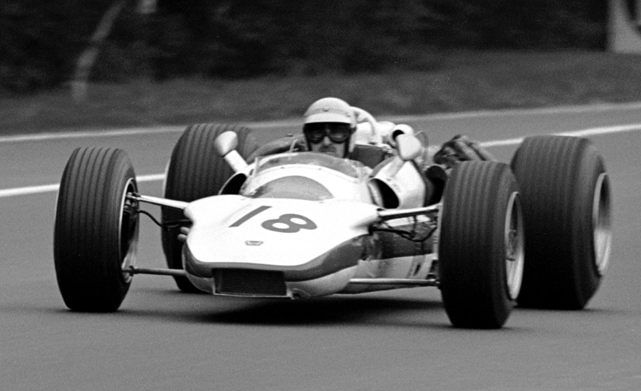Jo Schlesser in the Honda Ra302 before his fatal accident