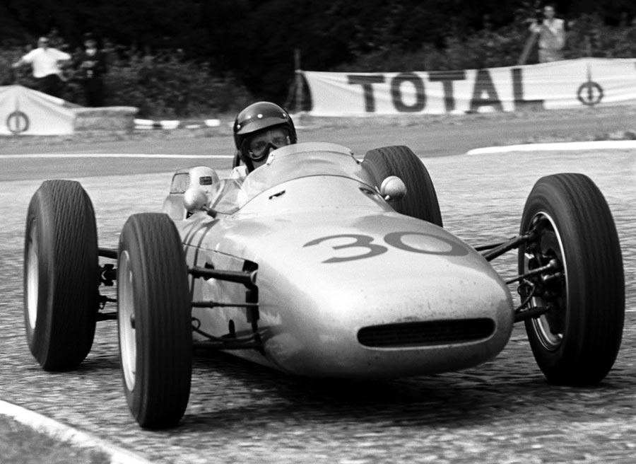 Dan Gurney on his way to victory in the Porsche 804