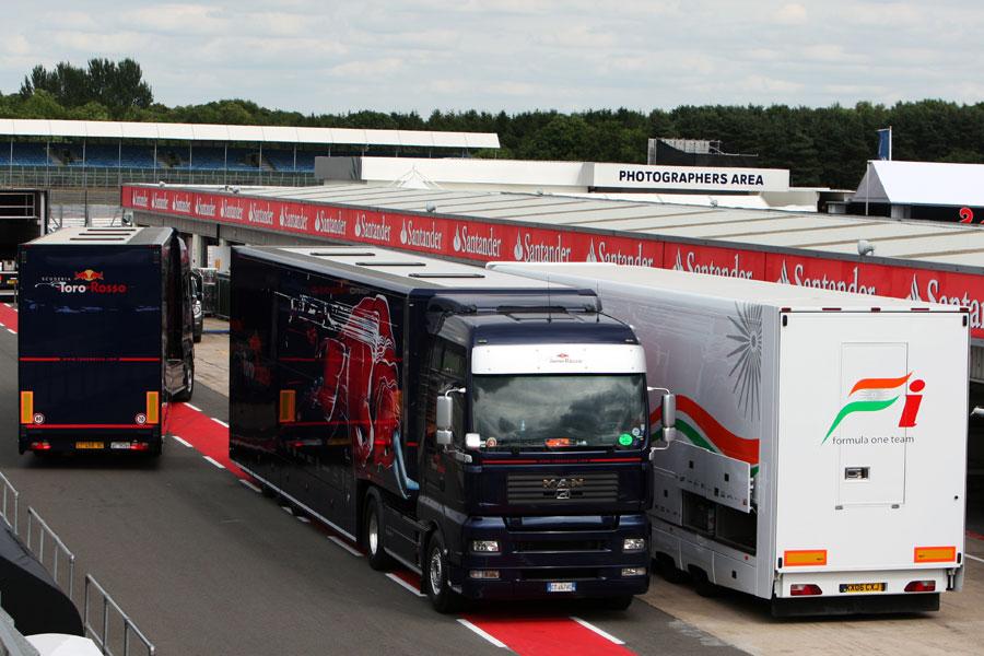 Toro Rosso truck in crash in Germany   Toro Rosso ... Felipe Massa