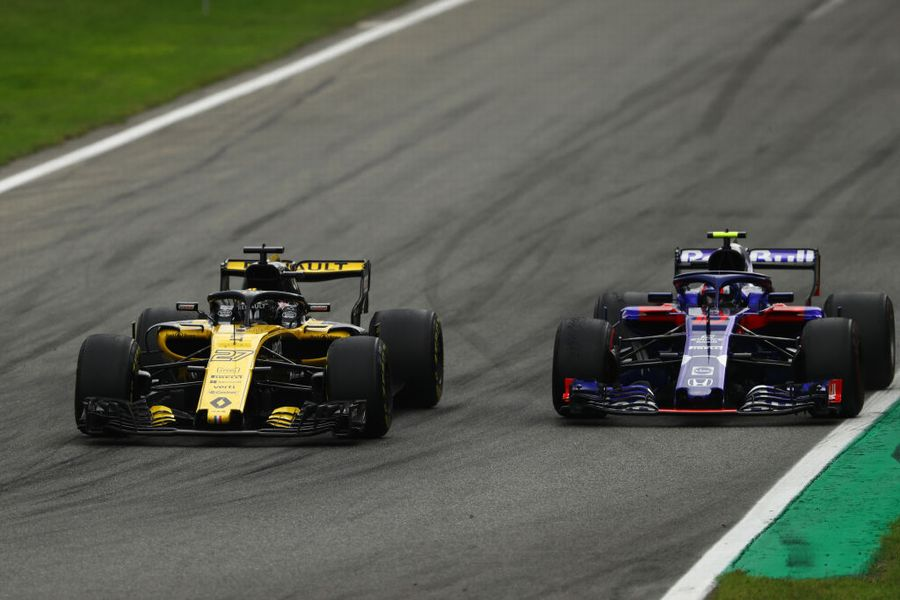 Nico Hulkenberg and Pierre Gasly battle for position