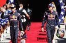 Daniil Kvyat and Brendon Hartley walk to the grid
