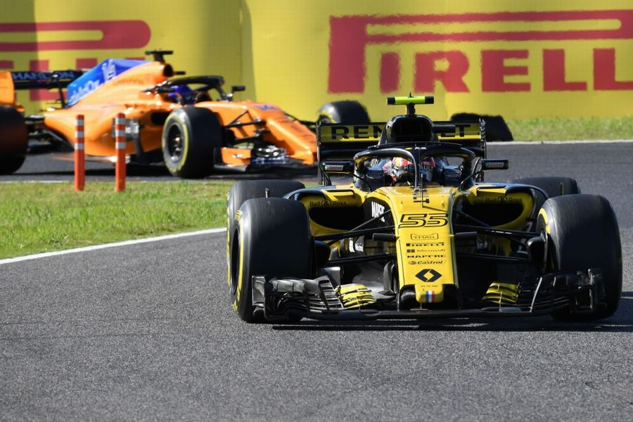Carlos Sainz on track in the Renault