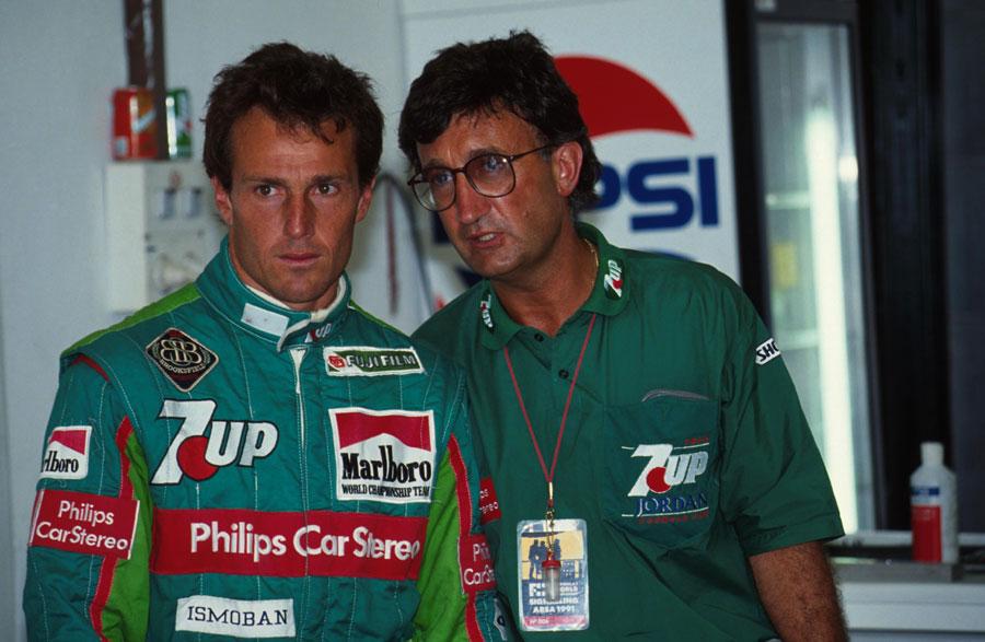 Jordan boss Eddie Jordan (R) with driver Andrea de Cesaris