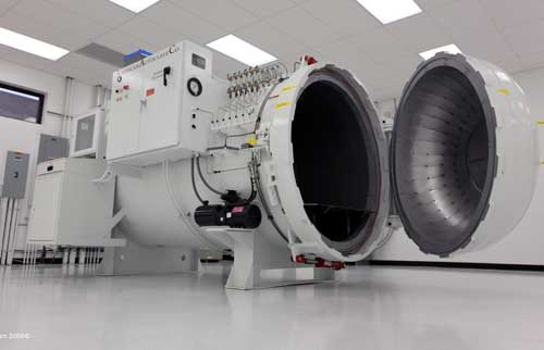 US F1's autoclave where carbon fibre is shaped and hardened