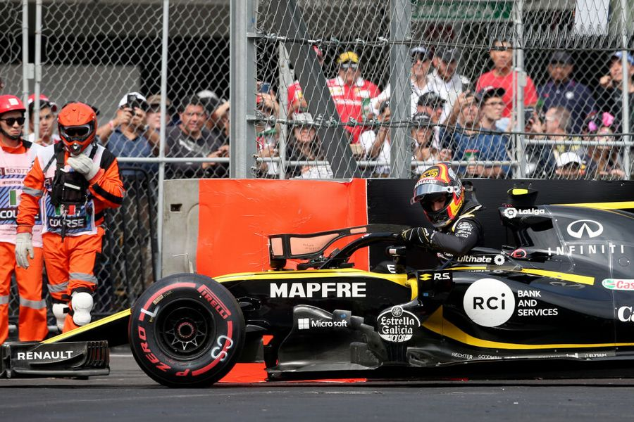 Carlos Sainz retires from the race