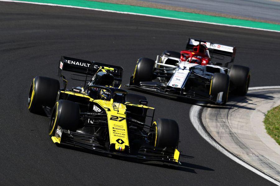 Nico Hulkenberg leads Kimi Raikkonen on track