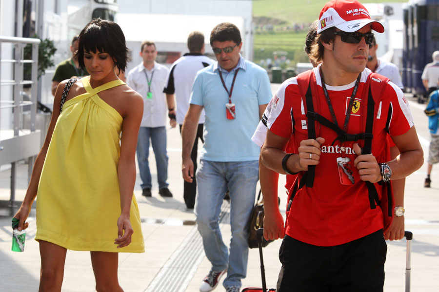 5654 - Fernando Alonso announces divorce