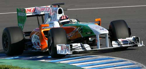 JR Hildebrand rides the kerbs at Jerez