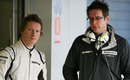 Mike Conway talks with Jenson Button's 2009 race engineer Andrew Shovelin