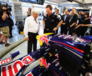 Bernie Ecclestone inspects Red Bulls front wing