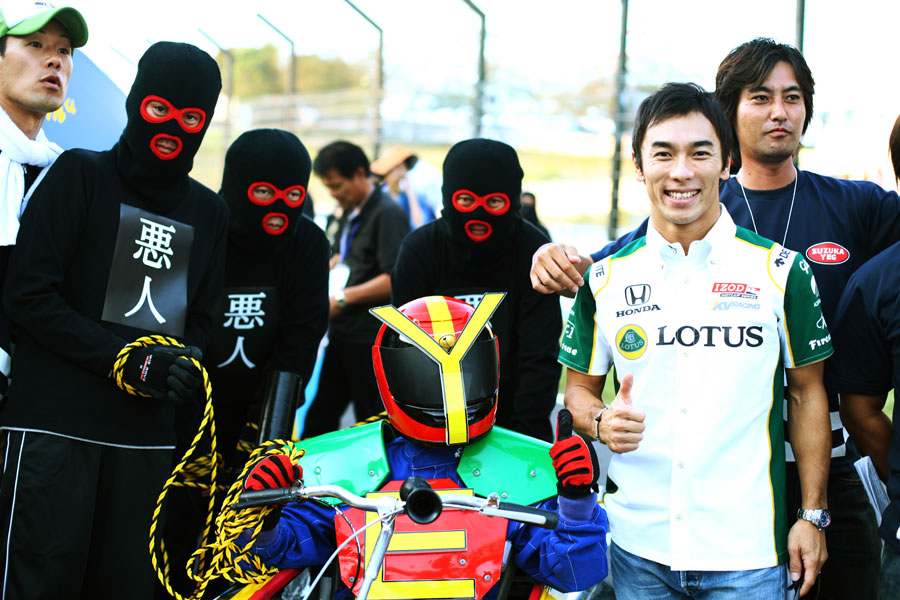 Takuma Sato with Box Kart competitors