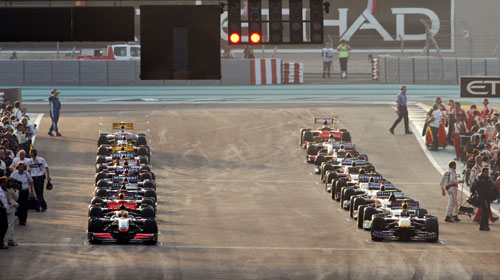 The grid is cleared for the start of the Abu Dhabi Grand Prix