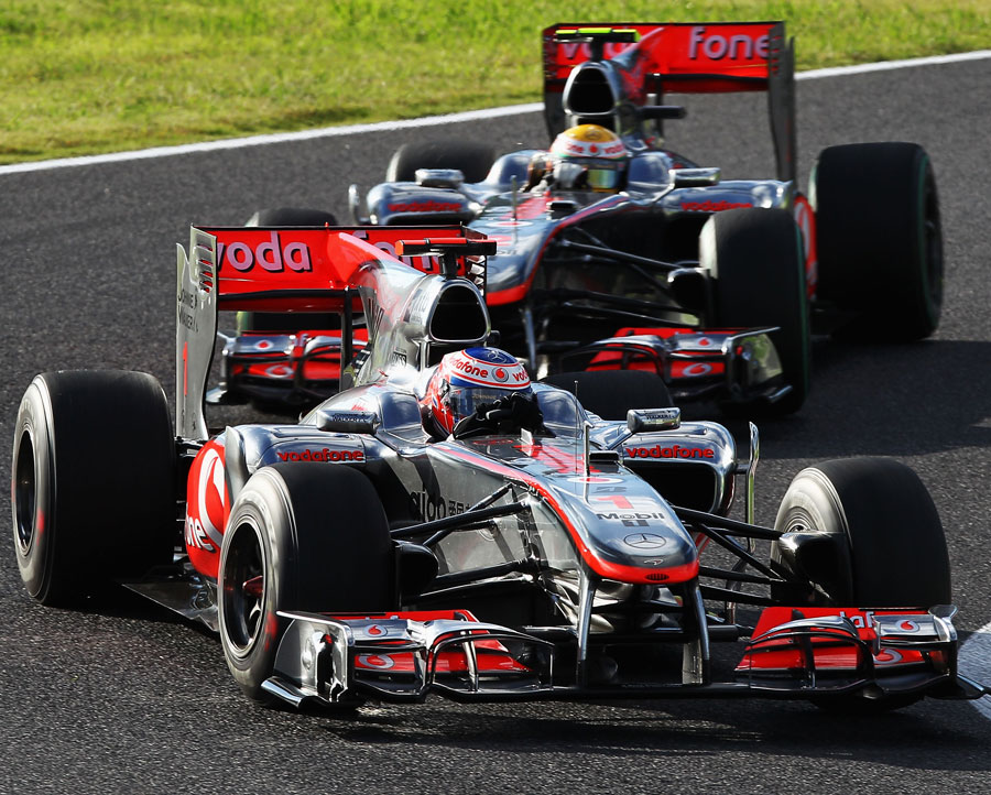 Jenson Button moves ahead of Lewis Hamilton at Suzuka