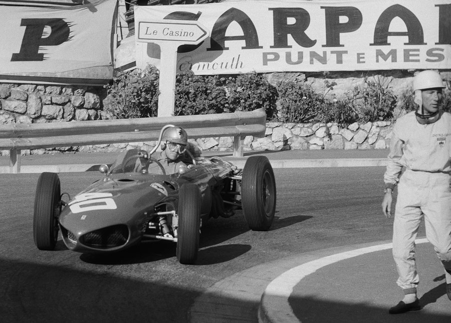 During practice, the Lotus of Stirling Moss stopped at the Station corner. While Moss waited for assistance, Wolfgang von Trips came by in the new Ferrari 156