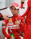 Felipe Massa talks to his engineers