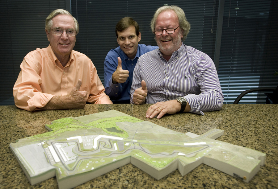 Nicholas Craw, president of the FIA Senate; promoter Tavo Hellmund and  Tilke architect Peter Wahl, Tilke Architect, with a model of the Austin Formula One circuit