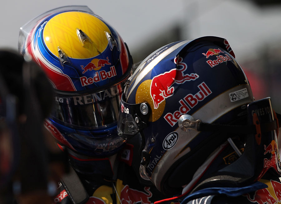 Mark Webber and Sebastian Vettel share a few words in parc ferme
