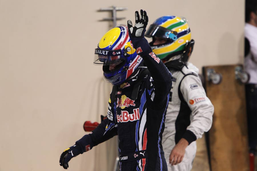 Mark Webber acknowledges the crowd after his title dreams ended in Abu Dhabi