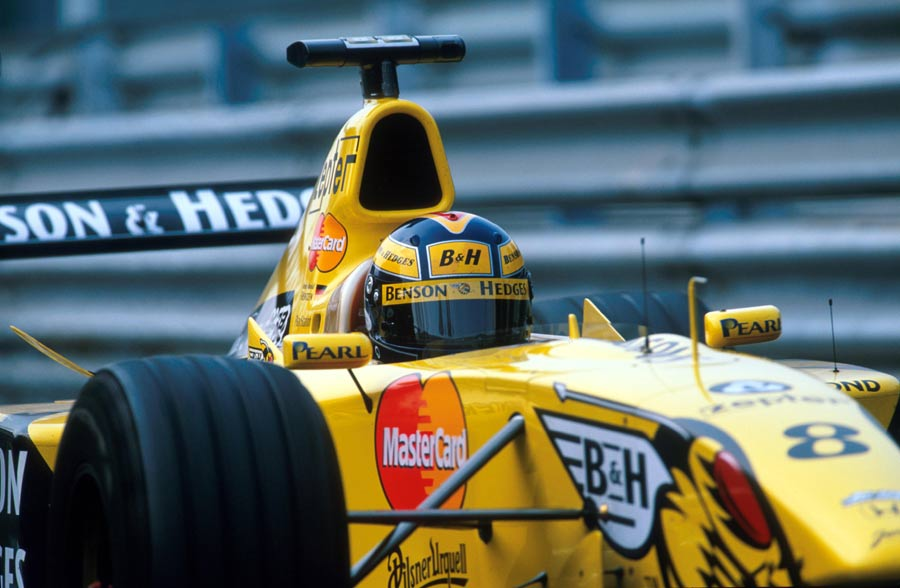 Heinz-Harald Frentzen on his way to victory in the Italian Grand Prix