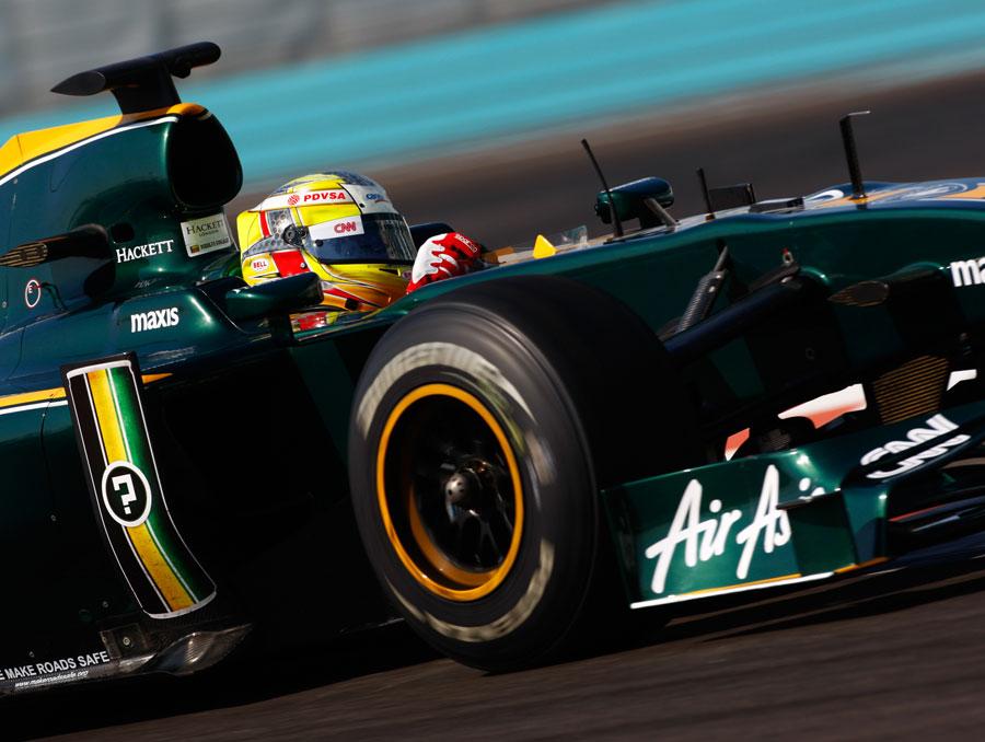 Roldofo Gonzalez on track in the Lotus