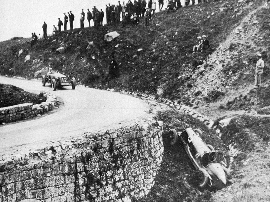 Antonio Ascari's car lies in a ditch during the 1919 Targa Florio