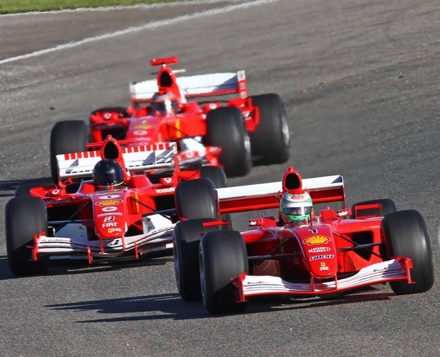 8023 - F1 cautious over three-car teams