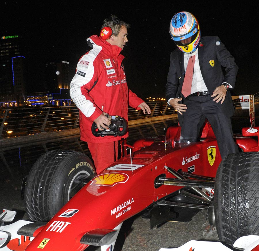 Fernando Alonso arrives in style for the 2010 Ferrari World Finals ceremony