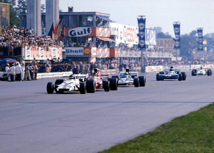 Peter Gethin leads Ronnie Peterson, Mike Hailwood, Francois Cevert and Howden Ganley in the closing stages of the Italian Grand Prix