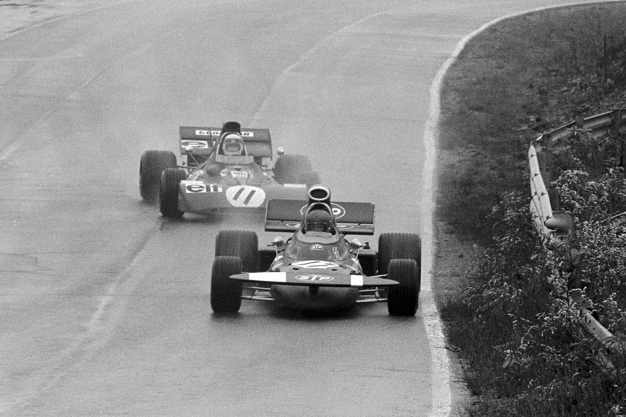 Jackie Stewart presses Ronnie Peterson in the wet