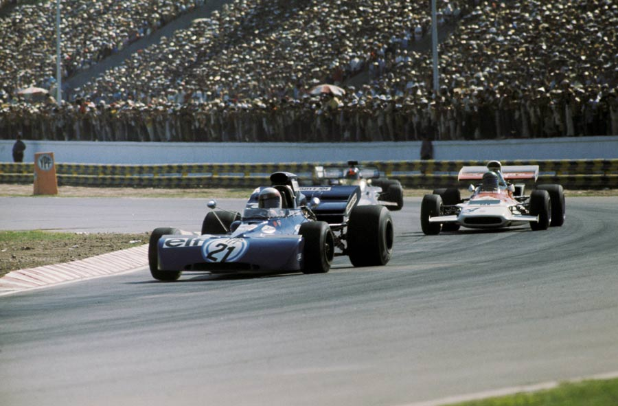 Jackie Stewart on his way to victory in Argentina