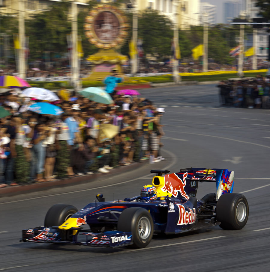 Mark Webber takes his Red Bull to the streets of Bangkok