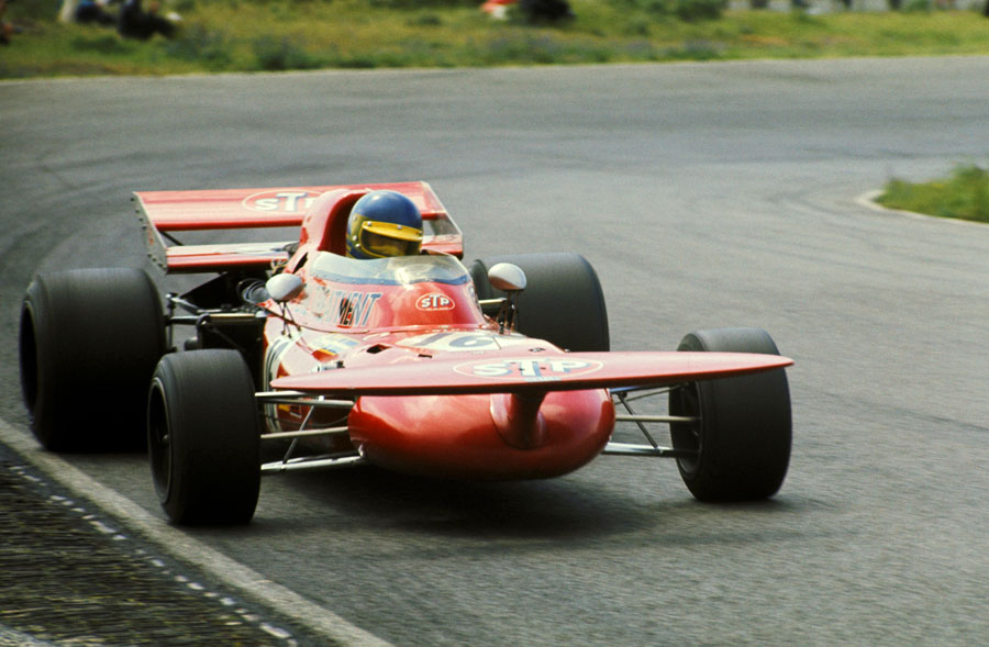 Ronnie Peterson pushes the unusual March 711 to the limit