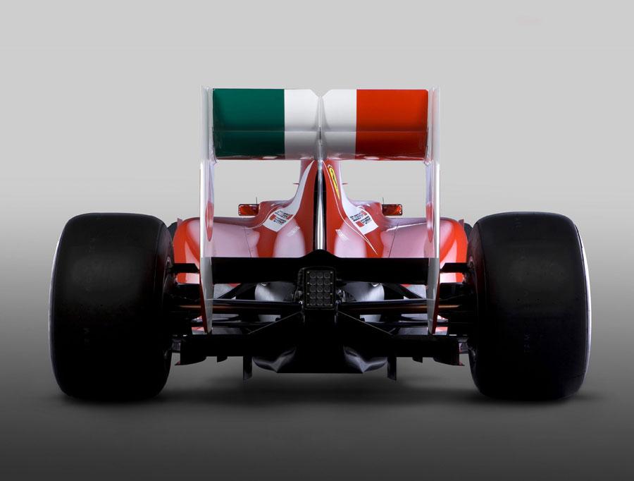 [2011] Présentation Scuderia Ferrari 8433