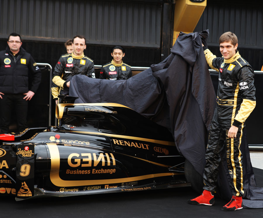 Vitaly Petrov unveils the new Lotus Renault GP R31