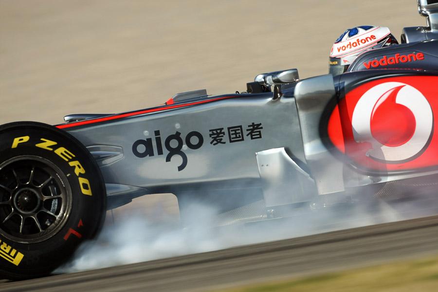 8545 - Paffett extends McLaren deal