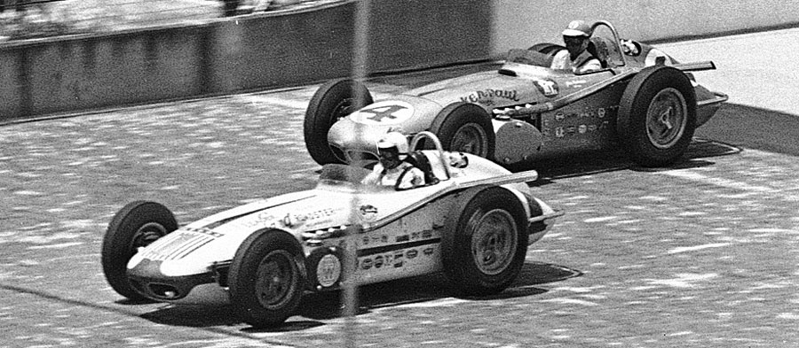 Jim Rathmann leads Rodger Ward at the 1960 Indianapolis 500