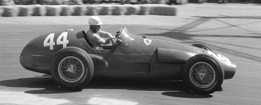 Maurice Trintignant on his way to victory at the 1955 Monaco Grand Prix