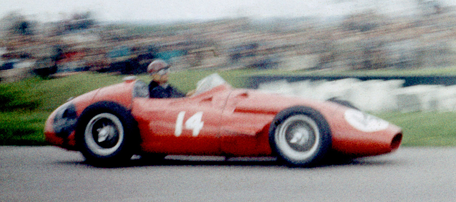 Maria Teresa de Filippis in her Maserati